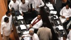 Sri Lanka parliament ousts twenty day PM, leaving uncertainty
